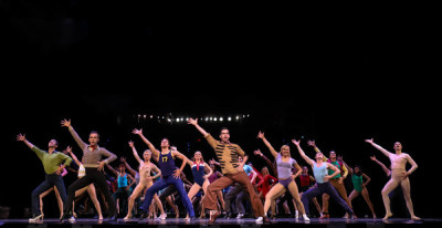 PHOTO FLASH: A CHORUS LINE OPENS AT THE LEXINGTON THEATRE